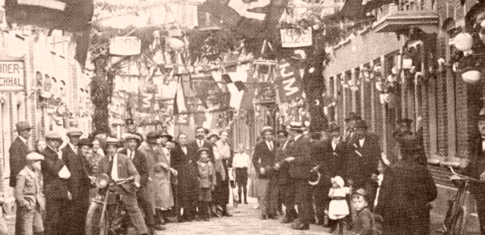 Definitief Feesten in de Bloemstraat 1923 of 1928