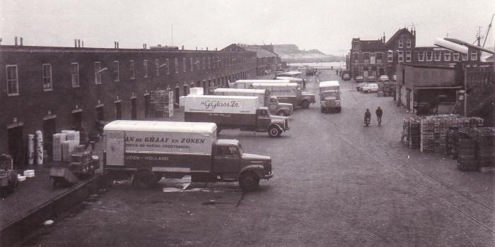 Oude vrachtwagens en sloop station IJmuiden 1995-2 – kopie