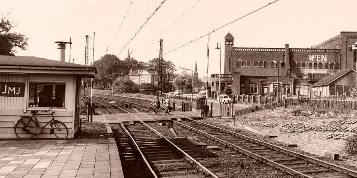 Spoorweg_overgang_Julianakade_-_Kanaalstraat